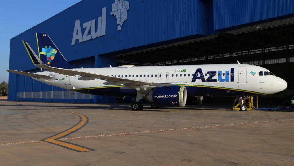 Companhia aérea Azul está oferecendo vagas de emprego em 30 cidades brasileiras para Agente de Aeroporto
